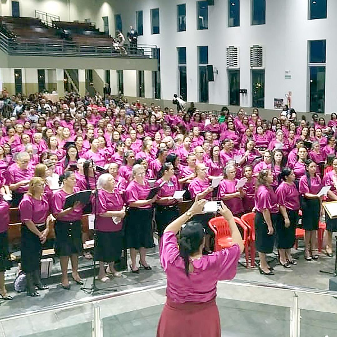 fardamento evangelico em congresso de senhoras da assembleia de deus