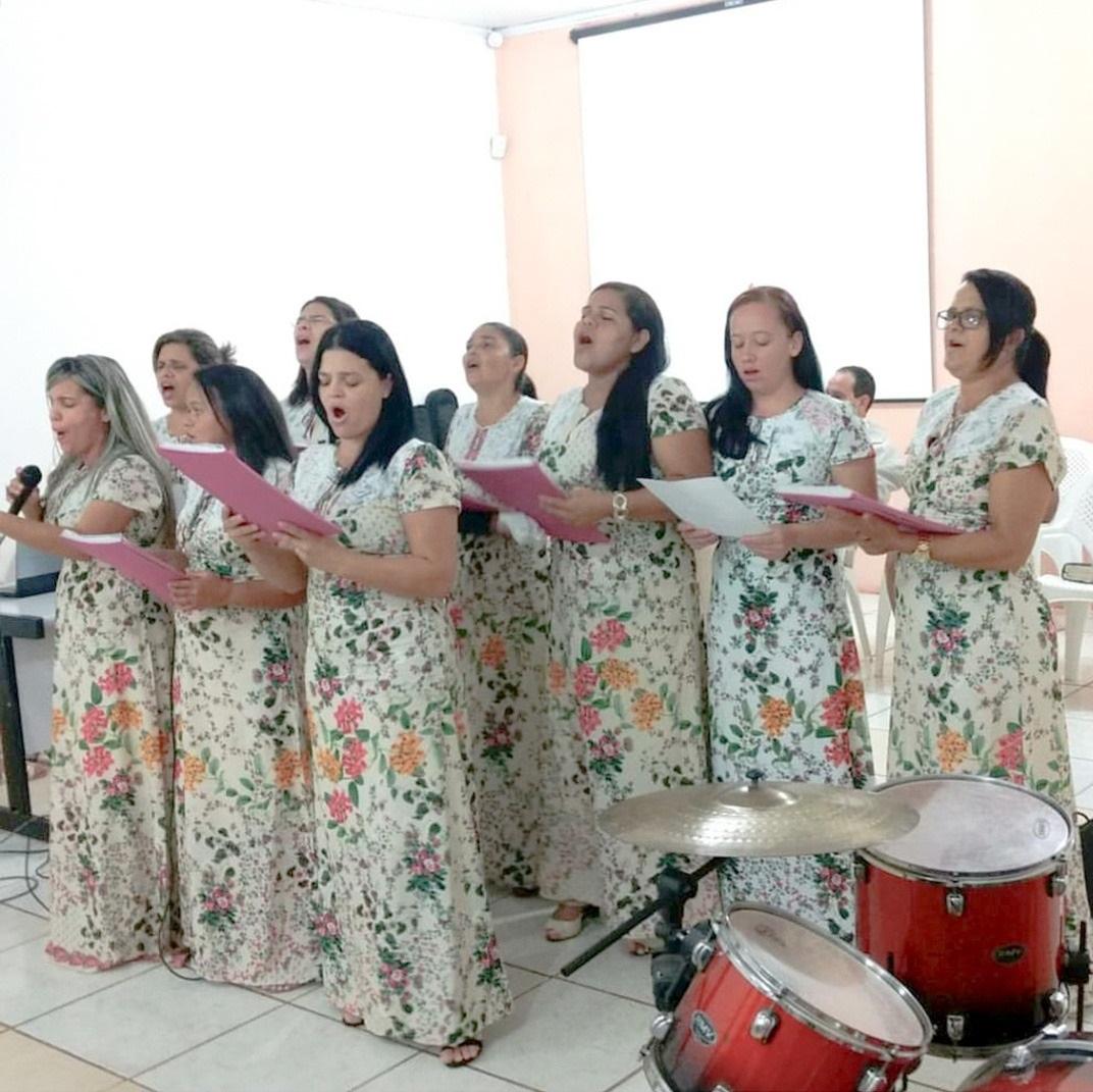 fardamento do coral de mulheres da igreja assembleia de deus